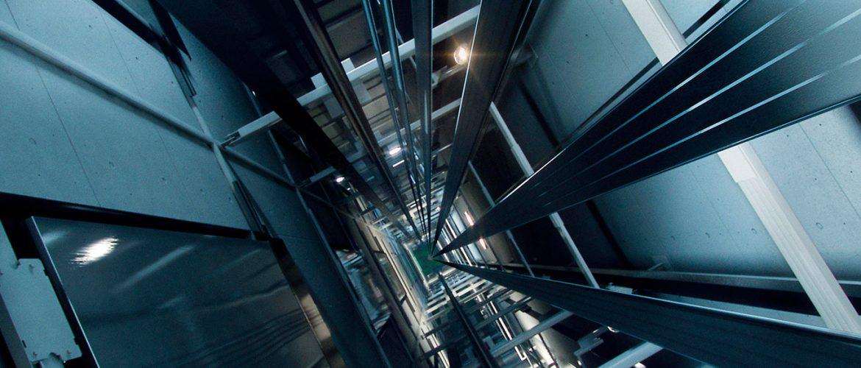 diseño y fabricación de motores y máquinas para la elevación de ascensores